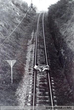 06-michal-pleva-cekani-na-vlak